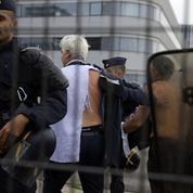 «Chemise arrachée» à Air France : El Khomri scandalise la gauche radicale