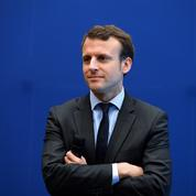 Emmanuel Macron se rend au Puy-du-Fou et rencontre Philippe de Villiers