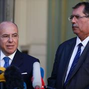 Burkini: Cazeneuve demande que les arrêtés soient appliqués de manière mesurée