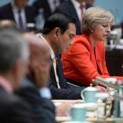 Brexit: Theresa May veut bloquer l'immigration européenne