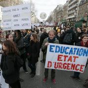 Grève des enseignants à l'allure de test sur la réforme du collège