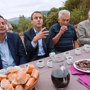 Emmanuel Macron est-il vraiment un candidat anti-système?