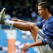 Cristiano Ronaldo tacle Xavi et se voit encore dix ans au Real Madrid