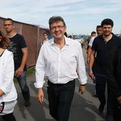 Mélenchon trace sa route à la gauche du PS pour 2017