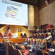Le Forum d'Avignon au bord du gouffre