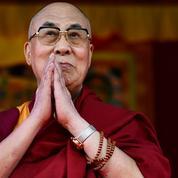 Lama[la-ma] n. m. Bouddhiste, qui ne boude pas la France