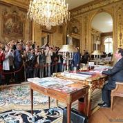 Hollande moqué après avoir fait visiter son bureau pour les Journées du Patrimoine