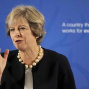 Brexit : Theresa May tente de rassurer Wall Street