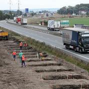 Un mur controversé pour isoler la «jungle» du port de Calais