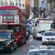Circulation: les choix opposés de Paris et Londres