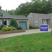 À Canton, les pancartes électorales pro-Trump «fleurissent» dans les jardins