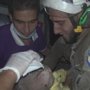 Syrie : un volontaire sauve un bébé et fond en larmes