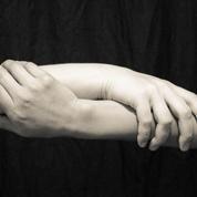 Dépendance d'un proche : «Quand on est aidant, on l'est seul!»