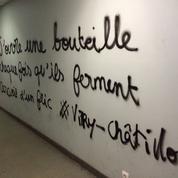 Cazeneuve porte plainte après la découverte de tags antipolice à la Sorbonne
