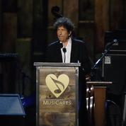 Face au silence de Bob Dylan, l'Académie des Nobel renonce à le contacter