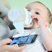 Le porte-biberon pour smartphone est né