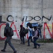 Les images marquantes de la première journée d'évacuation du camp de Calais
