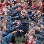 Des écoliers néo-zélandais battent le record du monde du plus grand haka