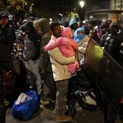 À Paris, l'évacuation du camp de migrants de Stalingrad s'est déroulée dans le calme