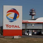 Total va équiper ses stations de panneaux solaires