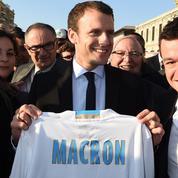 À Marseille, Emmanuel Macron séduit les étudiants mais agace les syndicats