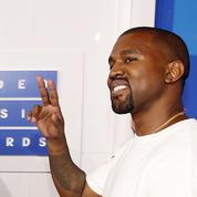 Kanye West hué par un public déconcerté