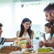 Fillon et Juppé veulent défendre les familles «maltraitées par la gauche»