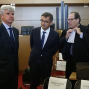 «Chemise arrachée» du DRH d'Air France : trois ex-salariés condamnés à de la prison avec sursis