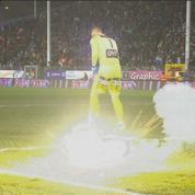 En Belgique aussi, un match arrêté après des jets de pétards