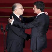 Passation de pouvoirs Valls - Cazeneuve : «Vous êtes un frère»