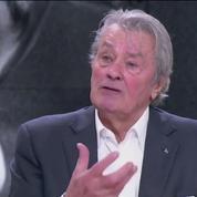 Alain Delon évoque la santé de Mireille Darc et rêve de Sophie Marceau