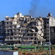Alep-Est : les premiers évacués quittent les quartiers rebelles