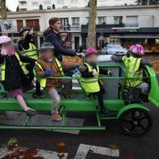 Des écoliers normands testent le premier vélo-bus écolo