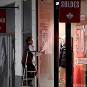 Les Français prévoient de dépenser 221,78 euros en moyenne pendant les soldes