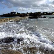 Naufrage au large de l'Île de Sein : le risque de pollution pointé du doigt