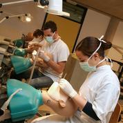 Les étudiants en chirurgie dentaire ont eux aussi une dent contre la Sécu
