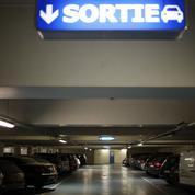 À Paris, les places de parking manquent