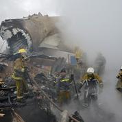 Kirghizstan : au moins 37 morts dans le crash d'un avion sur des habitations