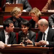 Primaire : Valls s'affiche avec Vallaud-Belkacem et Le Drian