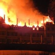 Le Château de Divonne-les-Bains, trésor du XIXe, dévasté par les flammes