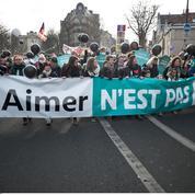 Rajeunis et décomplexés, les opposants à l'IVG manifestent dimanche à Paris