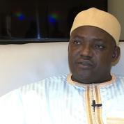 Les Gambiens attendent le retour du président Barrow