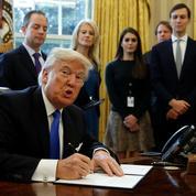 Quatre jours après son investiture, Donald Trump poursuit ses réformes