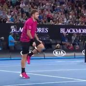 Breaké par Federer, Wawrinka brise sa raquette en deux