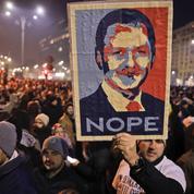 Roumanie : le président manifeste dans la rue contre le premier ministre