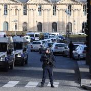 Le musée le plus visité au monde, cible de choix pour les terroristes