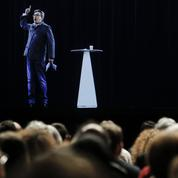 Grâce à son hologramme, Mélenchon réussit le pari technologique du double meeting