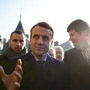 Macron entretient toujours le flou sur son programme