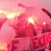 Les ultras parisiens au Bourget pour encourager les joueurs du PSG