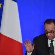 François Hollande résiste aux pressions de Christine Angot